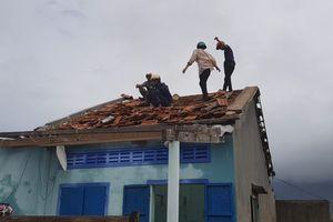 Lốc xoáy, sét đánh gây ra nhiều thiệt hại ở Phú Yên