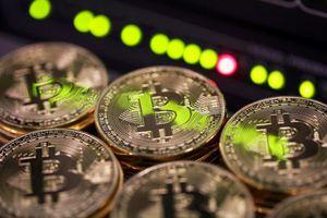 Giá bitcoin sắp về 5.000 USD