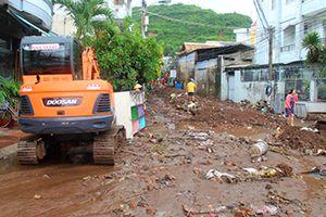 Khánh Hòa: Mưa lũ, sạt lở đất làm 17 người chết và mất tích