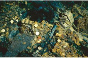Giao nộp 500 đồng tiền vàng trị giá 58 tỷ đồng