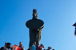 Đoàn người di dân áp sát Mỹ, người dân Mexico phẫn nộ biểu tình