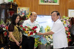 Chủ tịch Ủy ban MTTQ tỉnh thăm, chúc mừng các nhà giáo nhân ngày 20/11