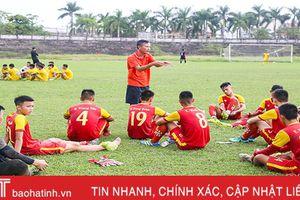 Những 'người lái đò' thầm lặng của bóng đá Hà Tĩnh