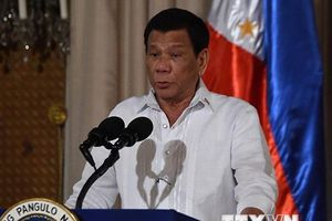 Tổng thống Philippines không được lợi khi 'xa Mỹ gần Trung Quốc'