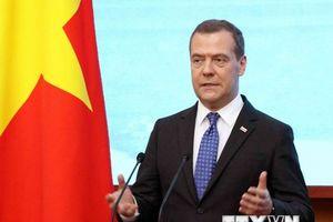 Thủ tướng Nga Medvedev kết thúc chuyến thăm chính thức Việt Nam