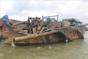 Nổ súng chỉ thiên, bắt giữ 'cát tặc' trên sông Đồng Nai