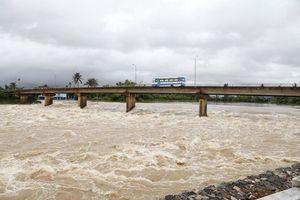 Khánh Hòa: Lũ tiếp tục lên nhanh, gây ngập lụt vùng hạ lưu