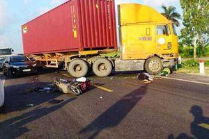Thái Bình: Bắt 3 đối tượng náo loạn hiện trường tai nạn, rút dao đâm 2 cảnh sát giao thông