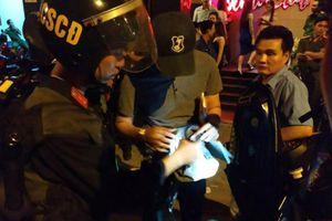 Phát hiện hàng trăm dân chơi ma túy trong quán bar tại Sài Gòn