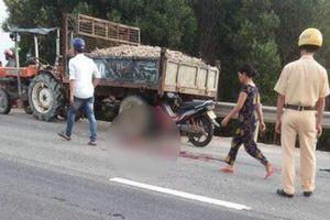 Huế: Va chạm xe máy cày, hai cha con tử vong tại chỗ