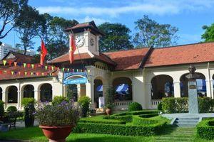 Nhãn hiệu LabelFranceEducation lần đầu tiên được trao cho hai trường ở Sài Gòn