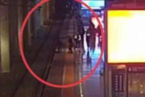Clip: Cô gái nhảy xuống đường ray tự tử chỉ vì cãi nhau với bạn trai