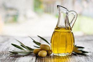 Có nên sử dụng dầu ô liu làm chất bôi trơn 'chuyện ấy'?