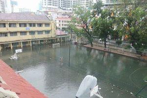 Học sinh toàn TP. Nha Trang phải nghỉ học vì mưa lũ