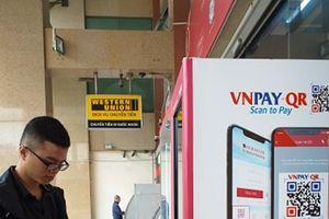Các ngân hàng đẩy mạnh ứng dụng công nghệ số để hút khách