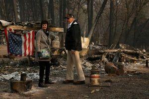 Tổng thống Trump thăm thị trấn Mỹ bị cháy rừng thiêu rụi