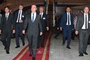 Thủ tướng LB Nga Dmitry Medvedev bắt đầu thăm chính thức Việt Nam