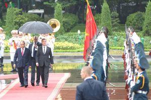 Hình ảnh lễ đón trọng thể Thủ tướng Nga thăm chính thức Việt Nam