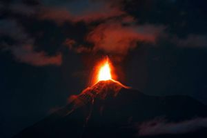 Núi lửa Guatemala hoạt động tăng cường, đe dọa tính mạng 2.000 người