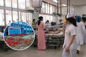 Vụ sập giàn giáo khiến 25 học sinh bị thương khi dự lễ 20/11 ở Sài Gòn: Nhiều học sinh bị chấn thương đầu, 2 em bị lõm sọ