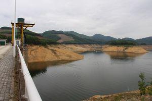 Thiếu nước giữa mùa mưa