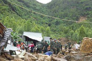 Tiếp tục tìm kiếm người mất tích và khắc phục hậu quả bão số 8