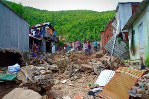 Đau thương, tang tóc bao trùm xóm núi sau trận mưa lũ lịch sử