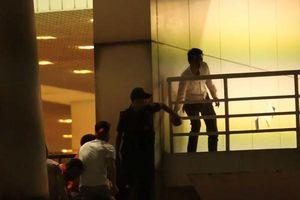 Sa thải nhân viên an ninh tuồn người vào sân Mỹ Đình
