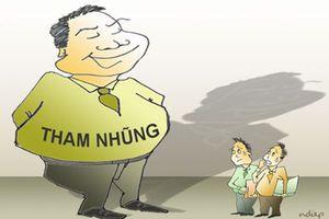 Điều chủ tịch huyện 'nợ như chúa chổm' làm chuyên viên