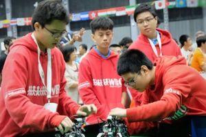 Đội robot bóng đá của Việt Nam suýt tạo nên kỳ tích ở đấu trường thế giới