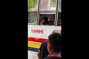 Ngủ quên trên xe buýt, tỉnh dậy nam thanh niên đã mất một cánh tay