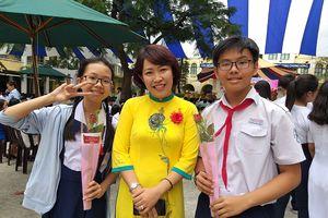 Mừng ngày nhà giáo VN 20.11: Cô giáo với mẹo dạy tiếng Anh độc, lạ