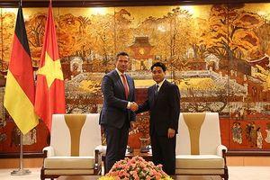 Chủ tịch UBND TP Hà Nội Nguyễn Đức Chung tiếp Bộ trưởng, Phó Thủ hiến bang Sachsen – Đức