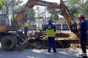 TP. Vinh xử lý hố sâu trên đường Phùng Chí Kiên
