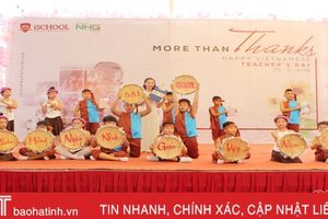 Tri ân thầy cô giáo và trao giải cuộc thi 'iSchool Ha Tinh in my heart'