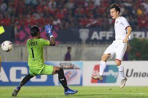 Có điểm may mắn nhờ trọng tài từ chối bàn thắng của Văn Toàn, HLV Myanmar vẫn nói cứng