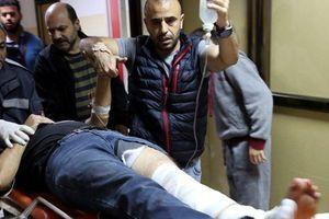 Đụng độ tại Dải Gaza, một phóng viên của hãng tin AP trúng đạn