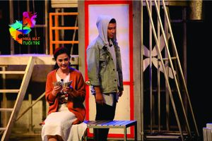 Nhà hát Tuổi trẻ quyết định vẫn 'Tin ở hoa hồng'