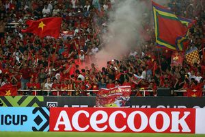 AFF Cup: Myanmar ái ngại với 'đặc sản' của CĐV Việt Nam