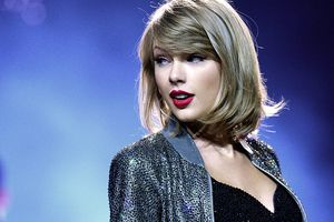 Taylor Swift về chung nhà với 'cựu thù' Kanye West: Số tiền để nhận được cái gật đầu của 'nàng rắn' là…