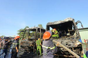 2 xe khách bất ngờ bốc cháy dữ dội trong bến xe trung tâm Đà Nẵng