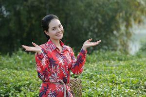 Sao Mai Lương Nguyệt Anh hóa cô gái nghèo mê ca hát