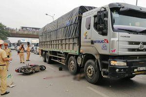 Hà Nội: Người đàn ông tử vong dưới gầm xe tải nghi do thiếu quan sát