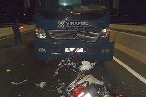 Xe tải tông xe máy trên cầu Cao Lãnh, hai cô gái trẻ tử vong