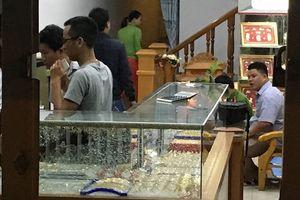 Thông tin mới nhất vụ dùng búa cướp tiệm vàng ở Quảng Nam