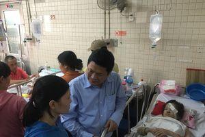 Vụ sập khung sắt sân khấu ở TPHCM: Phẫu thuật thành công cho 2 học sinh