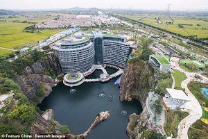 Khách sạn cao tầng đầu tiên trên thế giới 'chọc' xuống lòng đất