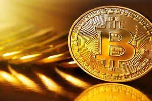 Tiền ảo Bitcoin giảm giá xuống mức thấp nhất 18 tháng
