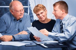 Phí dịch vụ tư vấn tài chính cuối cùng cũng giảm