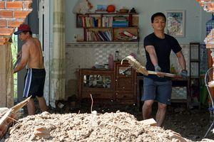 Tìm tài sản ở đống hoang tàn sau vụ vỡ hồ làm 4 người chết ở Nha Trang